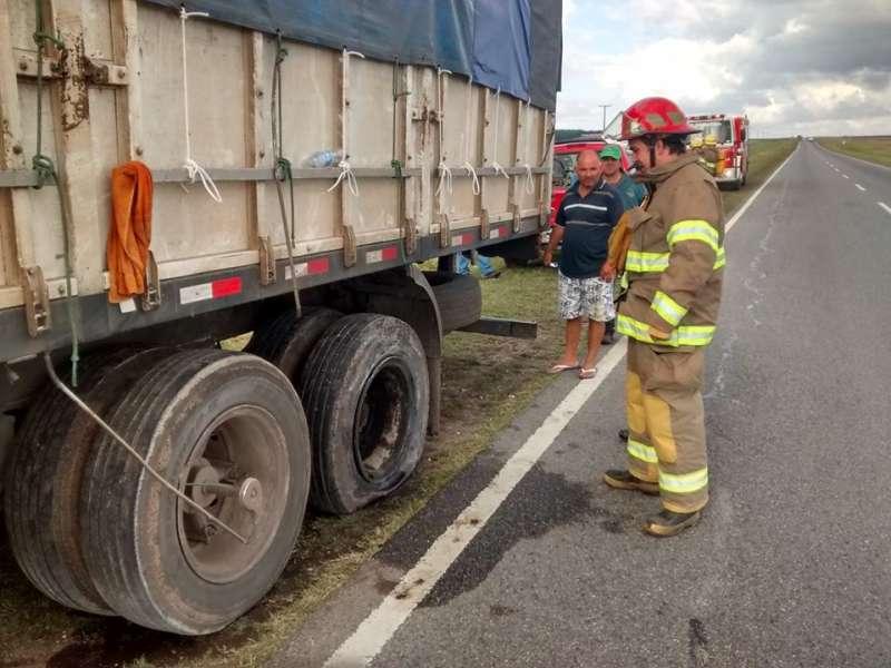 Camión sufrió un principio de incendio