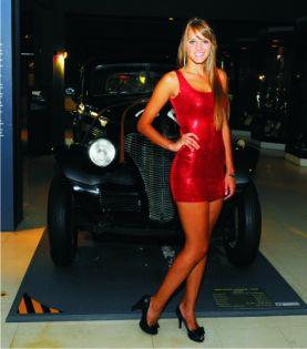 Giuliana y el Chevrolet